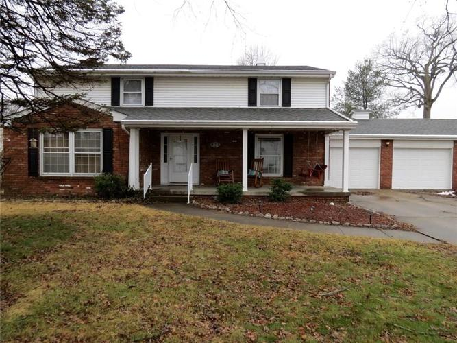 2612  Forest Drive Columbus, IN 47201 | MLS 21617725
