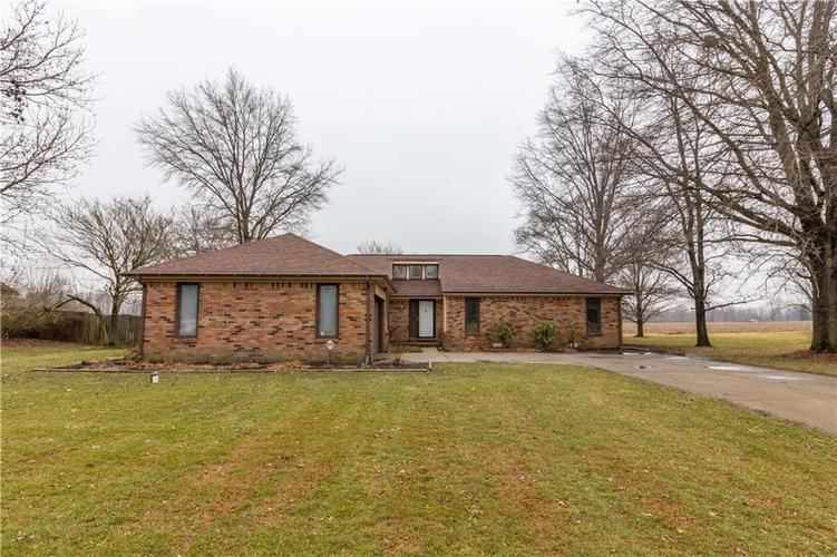 1319  Fox Trail Drive New Palestine, IN 46163 | MLS 21617987