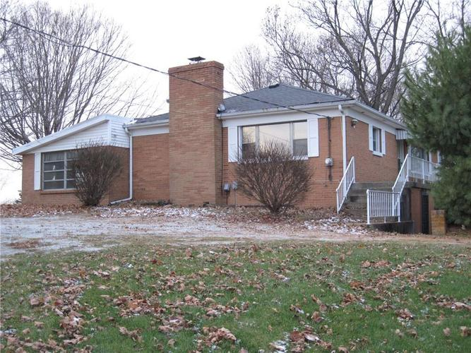 2907 W US Highway 136 Crawfordsville, IN 47933 | MLS 21618088 | photo 1