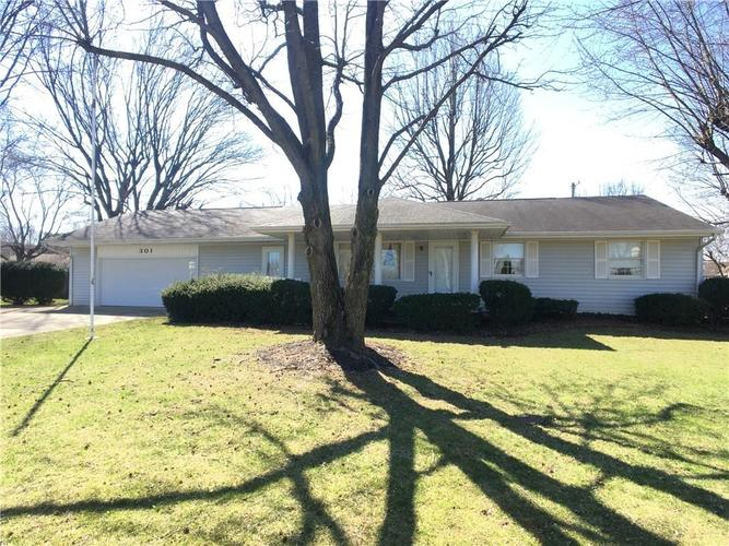 301  Roselawn Drive New Castle, IN 47362 | MLS 21618101
