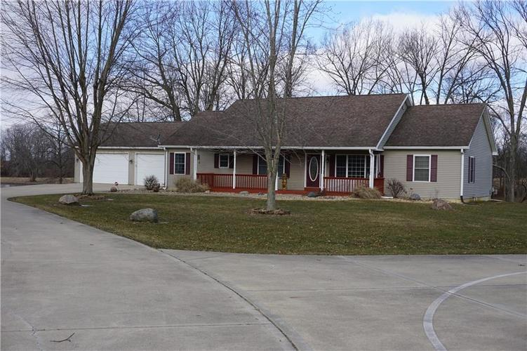 6360 W Hall School Lane Martinsville, IN 46151 | MLS 21618135