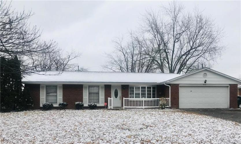 2101 W Cambridge Drive Muncie IN 47304 | MLS 21618136 | photo 1