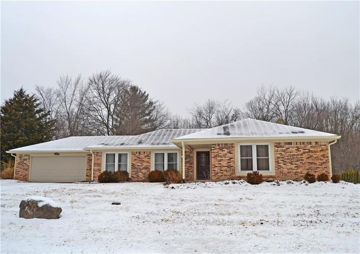 9904  Barth Drive Zionsville, IN 46077 | MLS 21618420