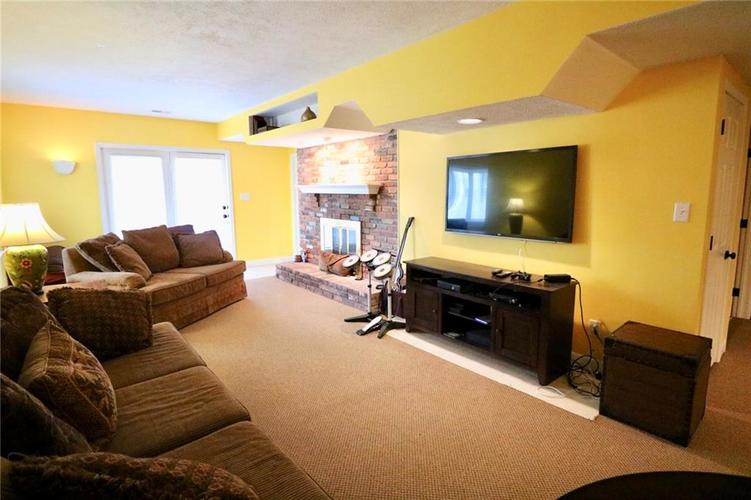 8181 Hunters Cove Court Indianapolis, IN 46236 | MLS 21618529 | photo 27