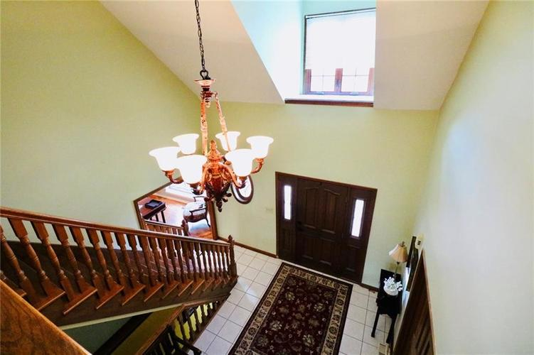 8181 Hunters Cove Court Indianapolis, IN 46236 | MLS 21618529 | photo 3