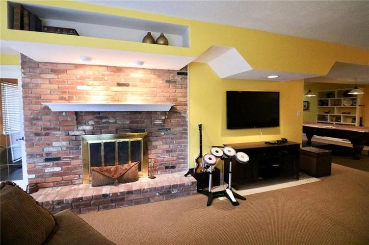 8181 Hunters Cove Court Indianapolis, IN 46236 | MLS 21618529 | photo 31
