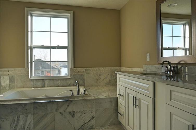 13699 W Voyager Drive Fishers, IN 46037 | MLS 21618840 | photo 11