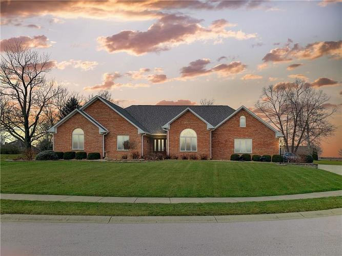 9482  Whispering Trace Brownsburg, IN 46112   MLS 21619241
