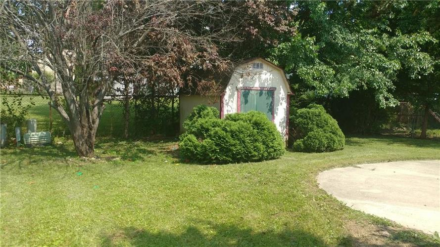 811 N BREMERTON Drive Indianapolis, IN 46229 | MLS 21619353 | photo 3