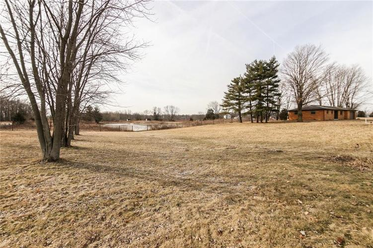 1057 E COUNTY ROAD 900  Clayton, IN 46118 | MLS 21619638