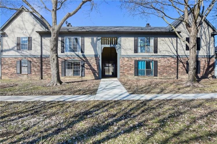 9469 Grinnell Street #54 Indianapolis, IN 46268 | MLS 21619734 | photo 1