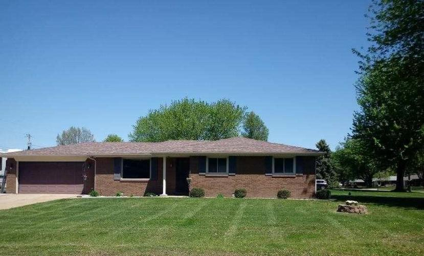7419 Plantation Drive Anderson, IN 46013 | MLS 21619976 | photo 1