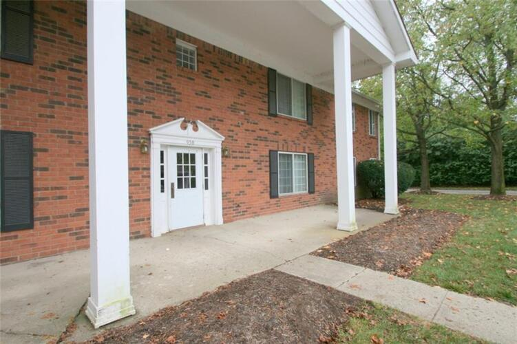 6514 Park Central Way #D Indianapolis, IN 46260   MLS 21622240   photo 1
