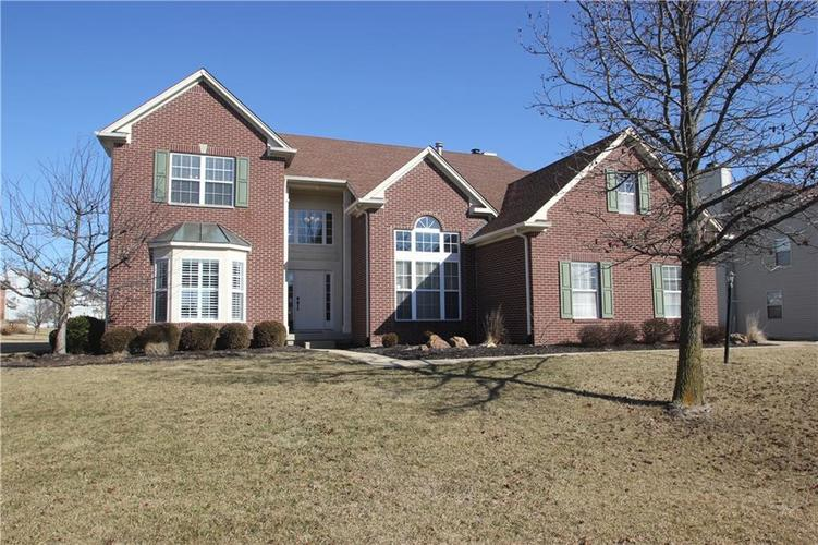 226 W Columbine Lane Westfield, IN 46074 | MLS 21622577