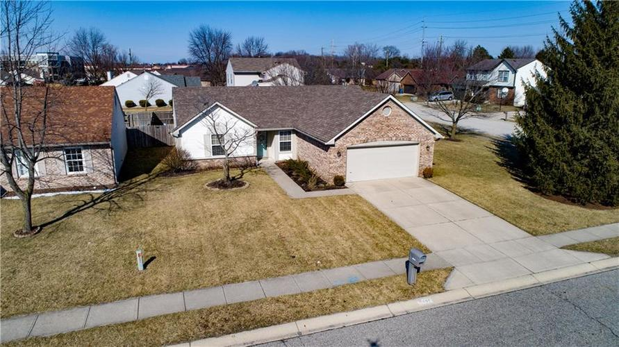 9740 Claymore Drive Fishers, IN 46038 | MLS 21622614 | photo 1