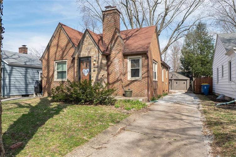 6033  INDIANOLA Avenue Indianapolis, IN 46220 | MLS 21623255