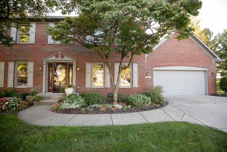 912  SILVER VALLEY Circle Greenwood, IN 46142 | MLS 21623636