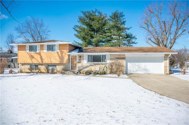 17 E Hill Valley Drive Indianapolis, IN 46227 | MLS 21623979