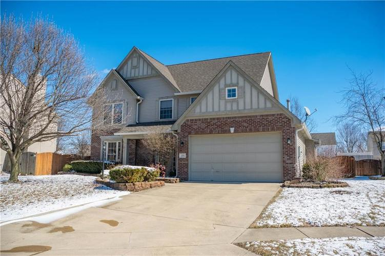 1335 Ash Tree Court Greenwood, IN 46143 | MLS 21624045 | photo 1