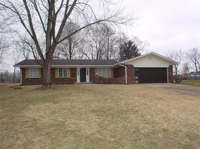 3220 W Sharon Drive Greenfield, IN 46140 | MLS 21624080 | photo 1