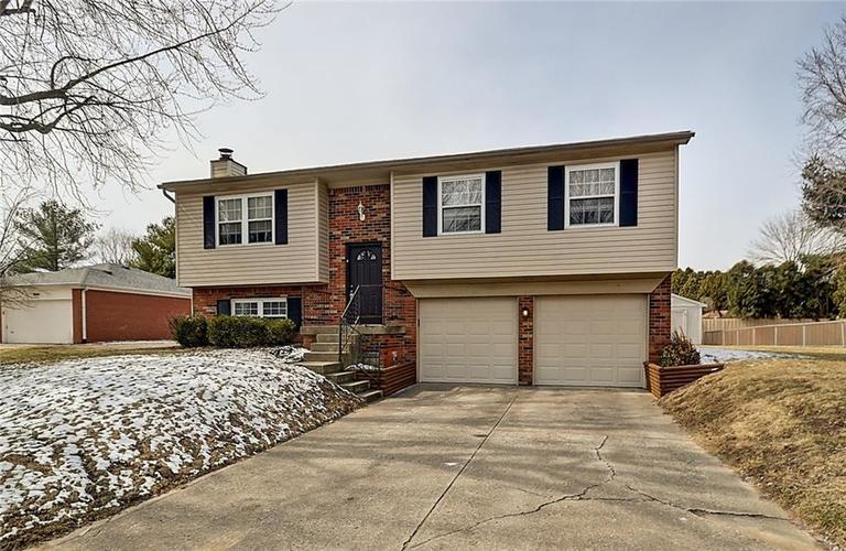 8534 Kenasaw Court Indianapolis, IN 46217 | MLS 21624269 | photo 1