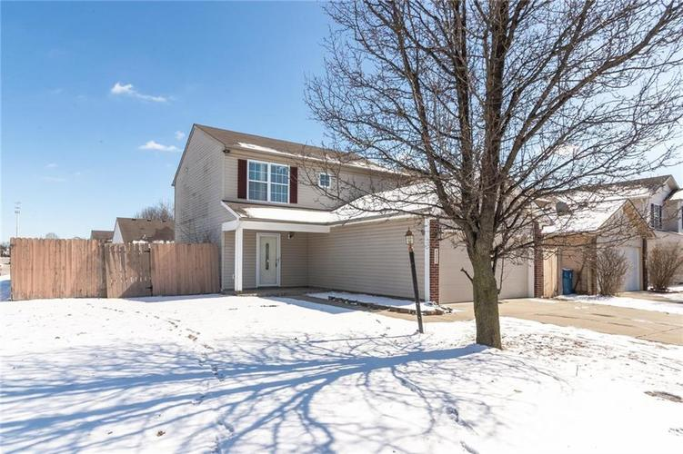4323 VILLAGE BEND Drive Indianapolis, IN 46254 | MLS 21625439 | photo 1