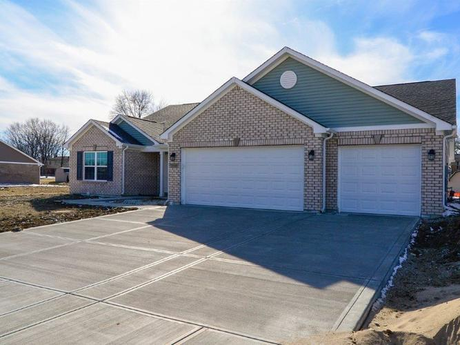 3360 S Cordell Road New Palestine, IN 46163 | MLS 21625469 | photo 2