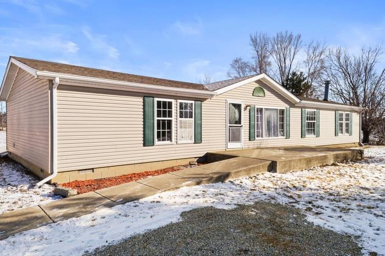 15890 W County Rd 700s  Anderson, IN 46017 | MLS 21625515