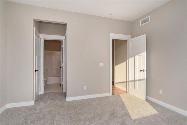 7460 Golden Oak Brownsburg, IN 46112 | MLS 21625553 | photo 18