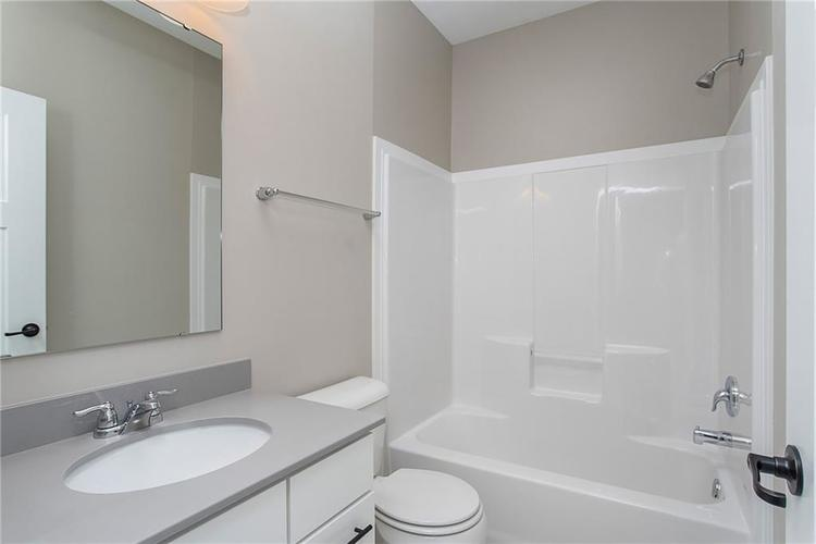 7460 Golden Oak Brownsburg, IN 46112 | MLS 21625553 | photo 19