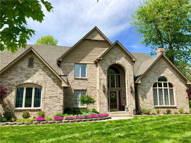 834  Wilderness Lane Greenwood, IN 46142 | MLS 21626334