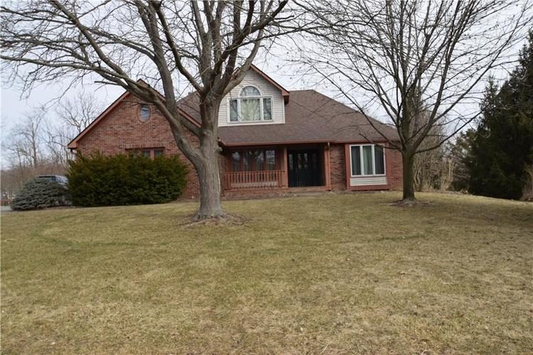 10140  Lakewood Drive Zionsville, IN 46077 | MLS 21626583