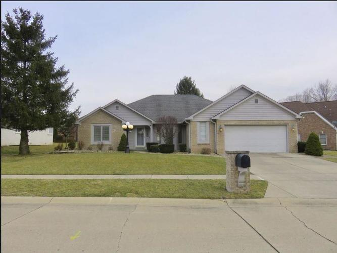 8909 Classic View Drive Indianapolis, IN 46217 | MLS 21626785 | photo 1