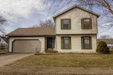 3344 Old Field Lane Columbus, IN 47203 | MLS 21626928 | photo 1
