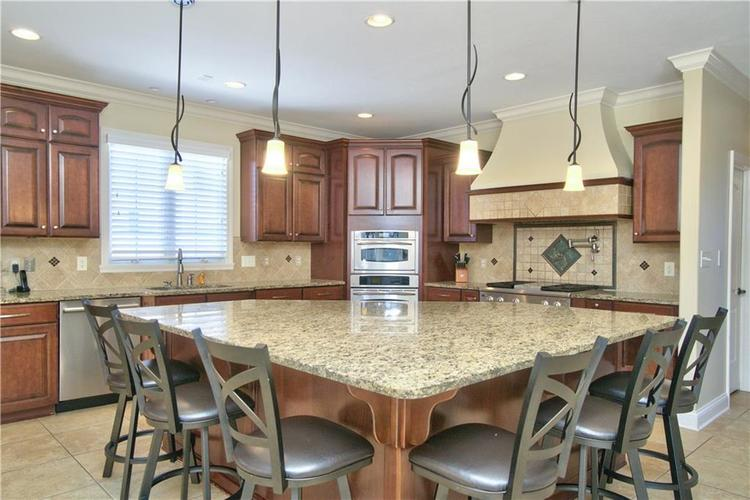 14723 Whispering Breeze Drive Fishers, IN 46037 | MLS 21626995 | photo 11