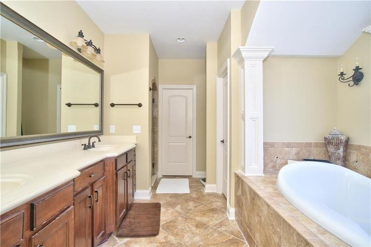 14723 Whispering Breeze Drive Fishers, IN 46037 | MLS 21626995 | photo 18