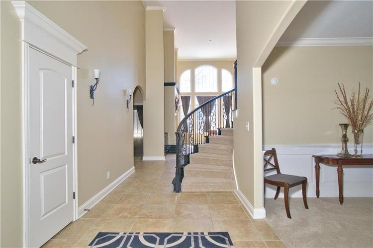 14723 Whispering Breeze Drive Fishers, IN 46037 | MLS 21626995 | photo 4