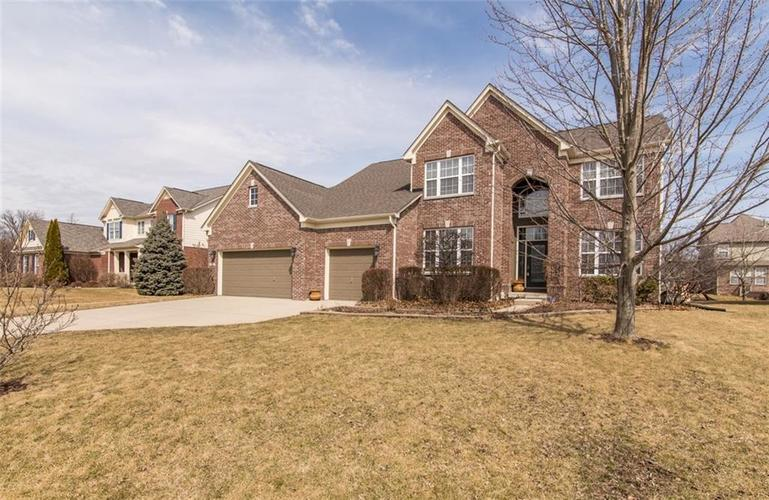 6527  Briarwood Place Zionsville, IN 46077 | MLS 21627099