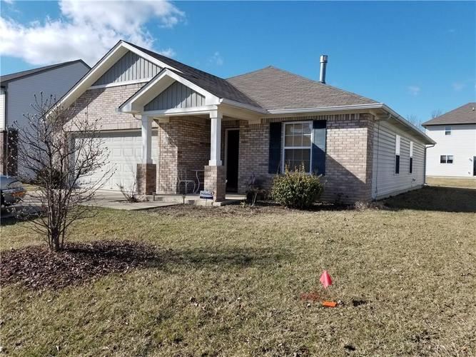 8206  Crumwell Drive Avon, IN 46123 | MLS 21627239