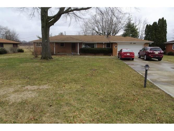 331 Pleasantview Drive New Castle, IN 47362 | MLS 21627348 | photo 1