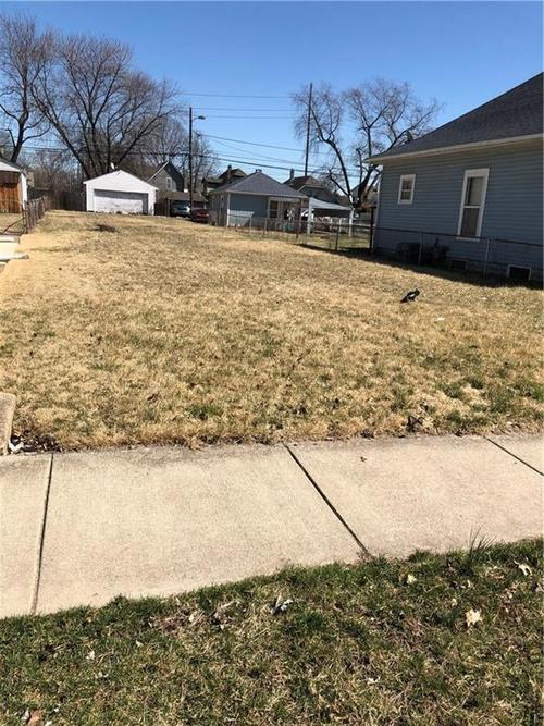 1111 S Sheffield Avenue Indianapolis, IN 46221   MLS 21627500