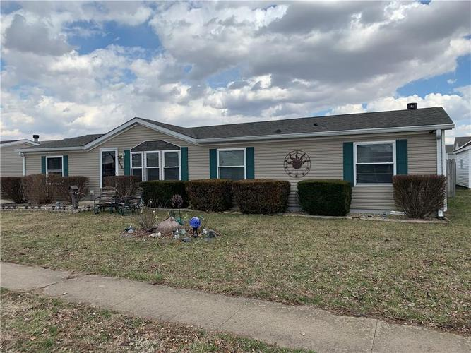 4685 W Ridge Drive Columbus, IN 47203 | MLS 21627704