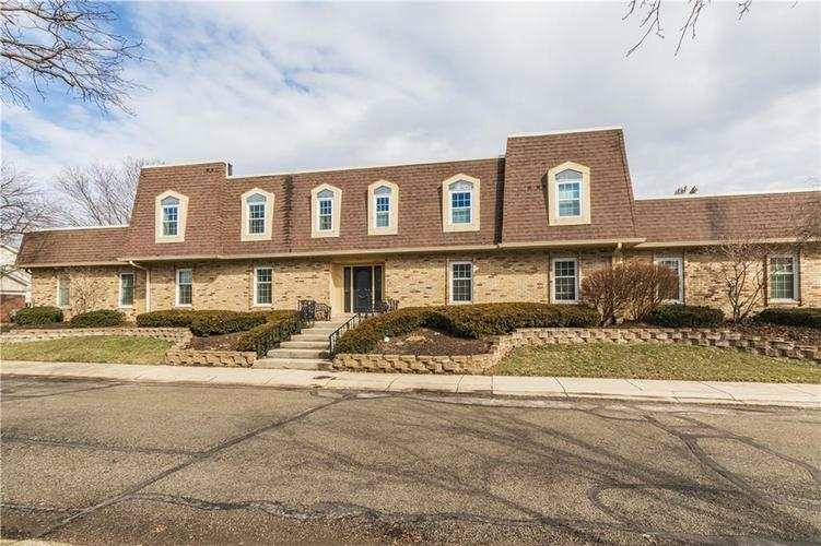 1306  Kings Cove Court Indianapolis, IN 46260 | MLS 21627954