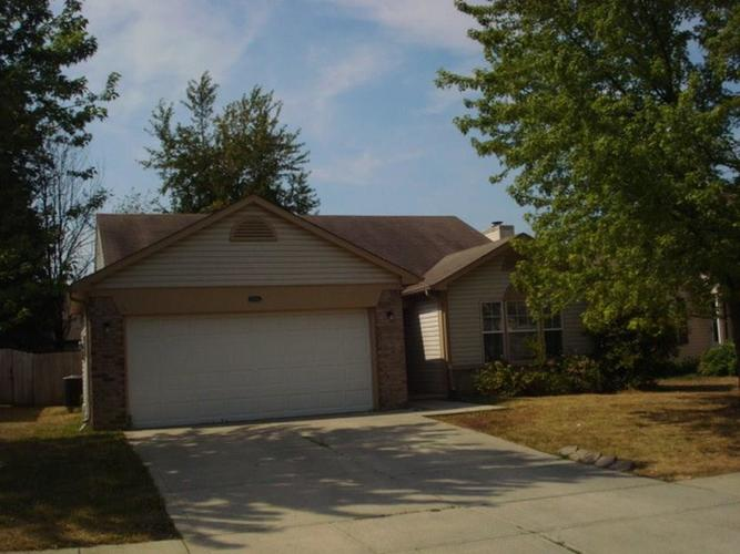 8341 Country Club Boulevard Indianapolis, IN 46234 | MLS 21628081 | photo 1