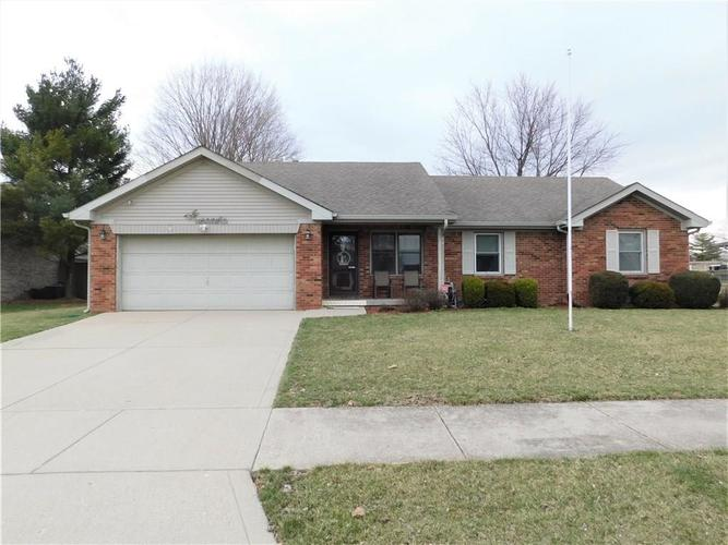 918  OAK PARK Drive Shelbyville, IN 46176 | MLS 21628238