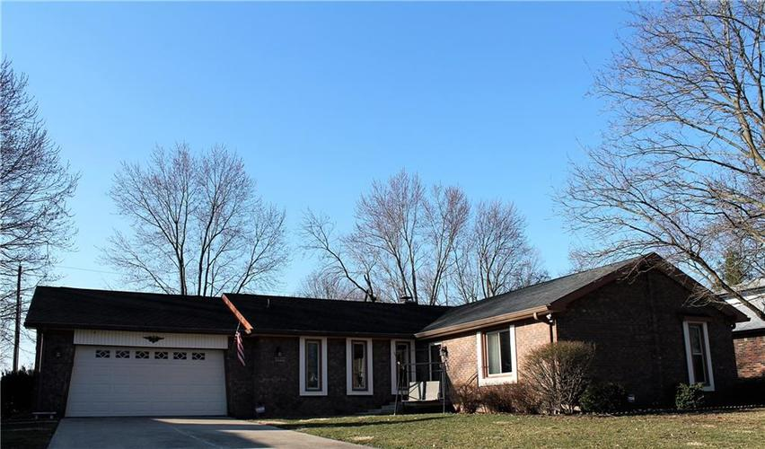 8509 E Bermuda Drive Indianapolis, IN 46219 | MLS 21628320 | photo 1