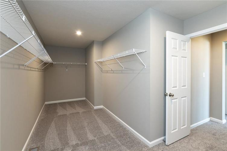 10542 Stableview Drive Fishers, IN 46040 | MLS 21628507 | photo 11