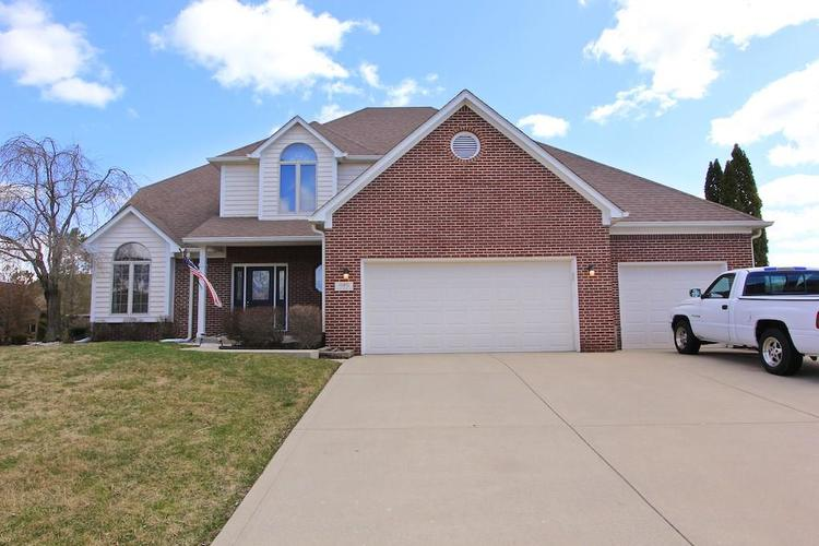 1145 FOREST COMMONS Drive Avon IN 46123 | MLS 21628588 | photo 1