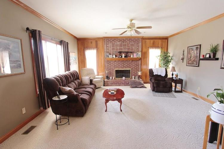 1145 FOREST COMMONS Drive Avon, IN 46123 | MLS 21628588 | photo 14