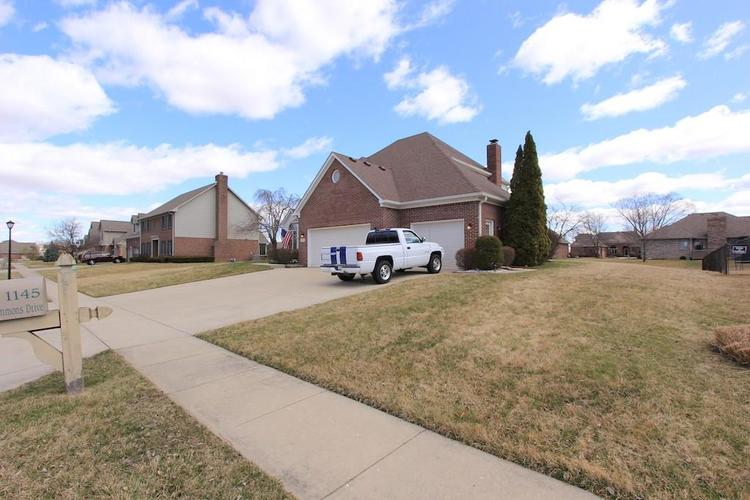 1145 FOREST COMMONS Drive Avon, IN 46123 | MLS 21628588 | photo 3